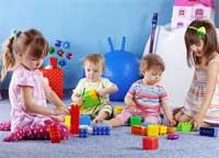 Надо ли учить ребенка играть